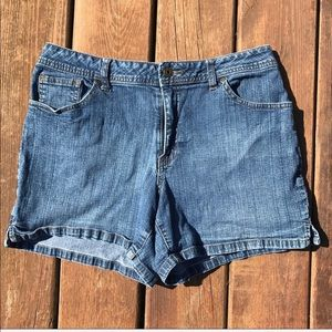 St. John's Bay Women's denim shorts, sz. 10